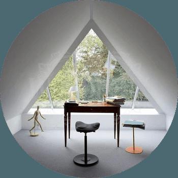 treugolnoe-okno-v-dome