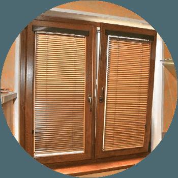 okno-v-jaluzi