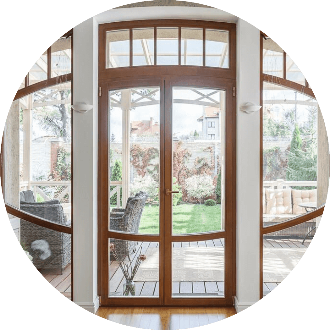 dereviannie-okna-v-dom